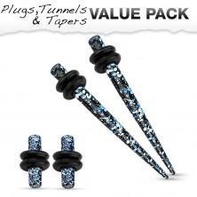 Zestaw czterech stalowych kolczyków do piercingu ucha, niebieski, czarny i biały kolor.