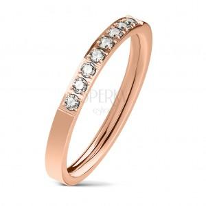 Stalowy pierścionek miedzianego koloru, linia bezbarwnych cyrkonii, lśniąca powierzchnia, 2,5 mm