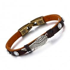 Bransoletka z brązowej sztucznej skóry, patynowane skrzydła anioła, cyrkonie