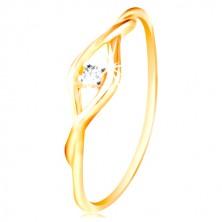 Złoty pierścionek 585 - bezbarwna okrągła cyrkonia pomiędzy cienkimi falami
