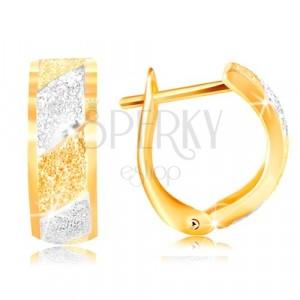 Złote kolczyki 585 - błyszczące piaskowane pasy z żółtego i białego złota