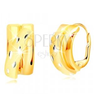 Kolczyki z 14K złota - błyszczące półkola ozdobione ukośnym matowym łukiem