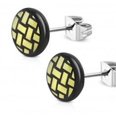 Kolczyki ze stali chirurgicznej - czarne koło, pleciony motyw w kolorze żółtym, 7 mm