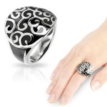 Stalowy pierścionek z onyksowym odlewem
