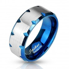 Stalowy pierścień niebieski - nacięcia na brzegach