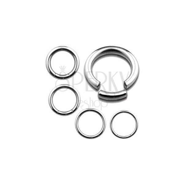 Piercing ze stali chirurgicznej - gładkie stalowe kółko, srebrny kolor