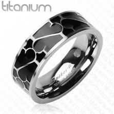 Tytanowa obrączka - czarne szkliwo z ornamentem