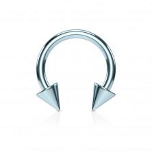 Stalowy piercing do nosa z tytanowym wykończeniem - podkowa z kolcami w jasnoniebieskim wzorze