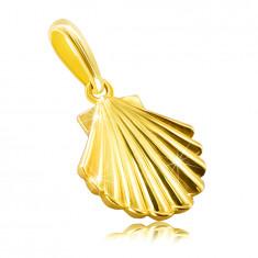 Złota zawieszka z żółtego 14K złota - muszla morska, lśniąca i gładka powierzchnia