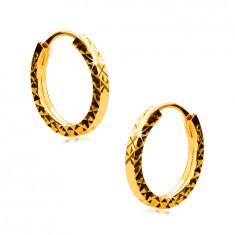Kolczyki z żółtego złota 585 - krążki zdobione diamentowym szlifem, kwadratowe ramiona, 12 mm