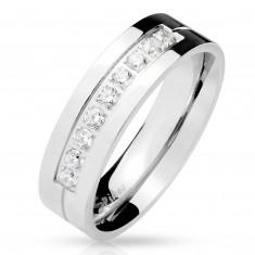 Stalowy pierścionek srebrnego koloru, dziewięć przezroczystych cyrkonii w nacięciu, lśniąca powierzchnia, 6 mm