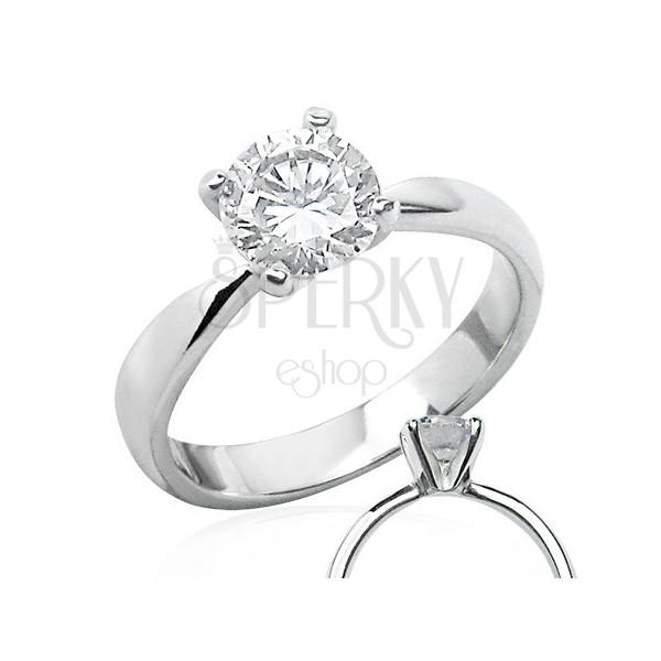 Delikatny pierścionek zaręczynowy z przeźroczystą cyrkonią