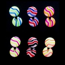 Piercing do języka - kolorowe fale