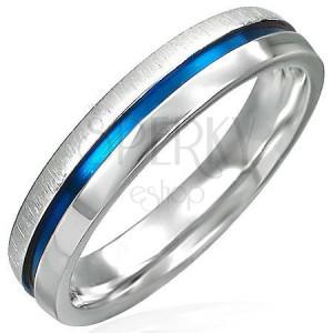 Stalowy pierścionek z niebieskim paskiem - błyszcząca i matowa połówka