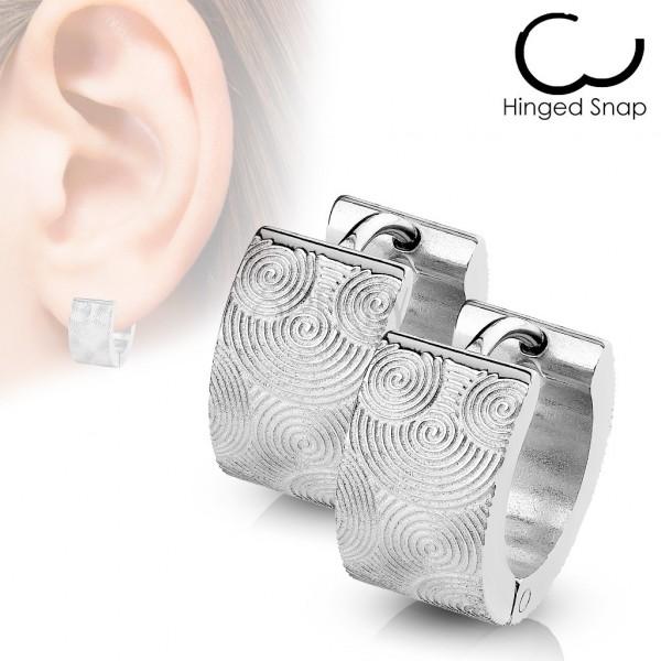 Kolczyki ze stali chirurgicznej - srebrne koła z wygrawerowanymi spiralami